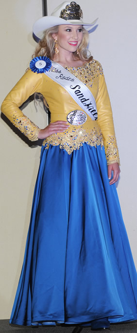 Katelynn Brownlee, Miss Texas Teen 1st Runner-up, in gold pearlized lambskin